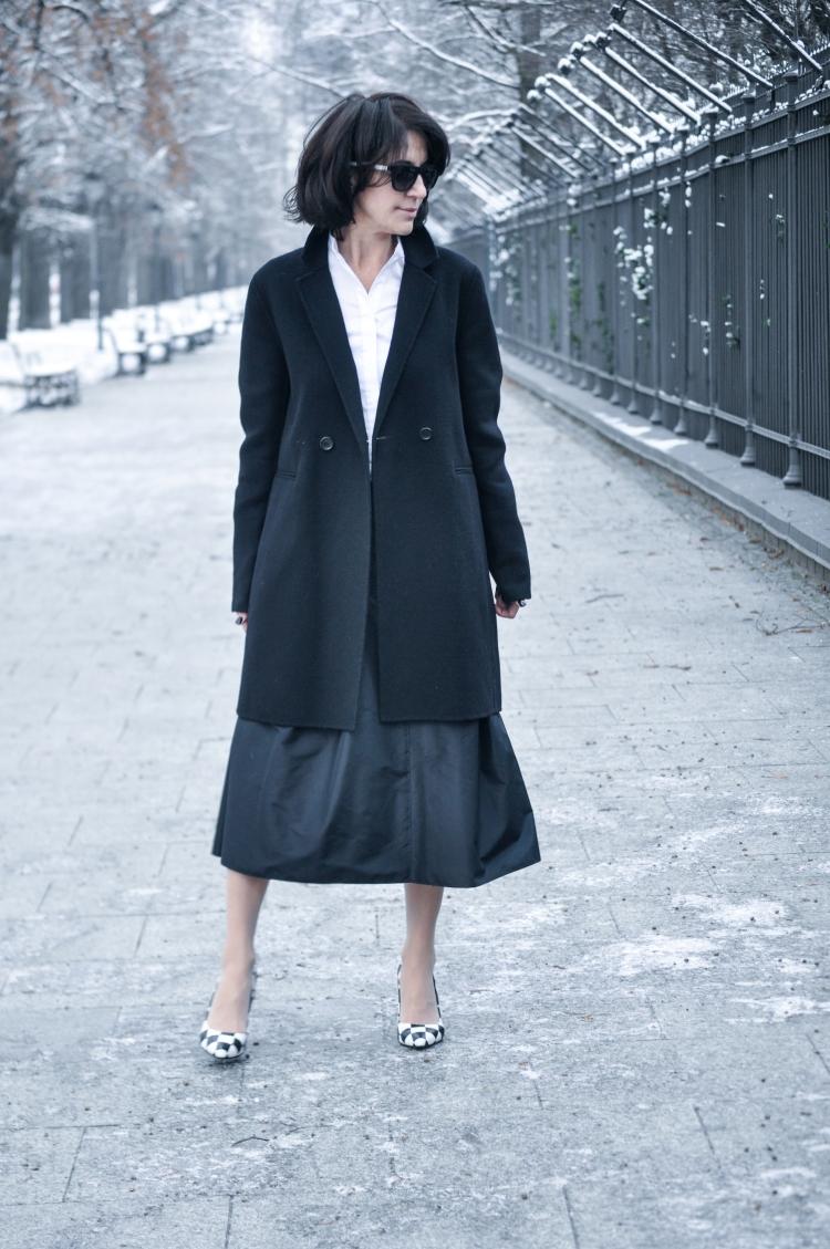 czarny płaszcz-2 copy